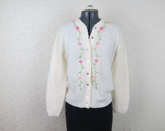 Vintage White Cardigan with Chenille Floral Embroidery - Bust 38 (B5)