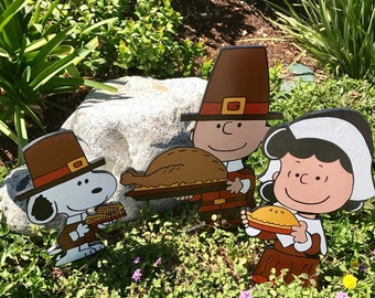 THANKSGIVING PILGRIM PEANUTS Snoopy with corn on the cob, Charlie Brown with Turkey and Lucy with Apple Pie  Hand Painted Lawn Yard Art