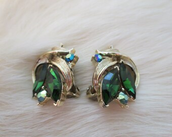 Lisner Emerald Green Rhinestone Clip Earrings