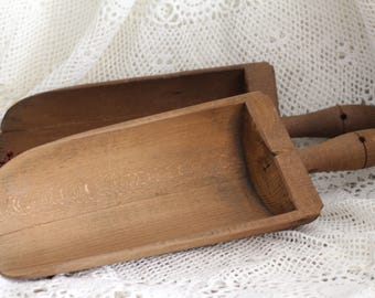 Set of 2 Vintage French Wooden Grain/Flour Scoops - Shabby Chic - Kitchen Decor