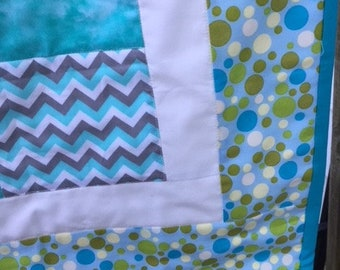 Teal Bubbles Baby Quilt