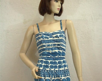 """On Sale! 1950's Rose Marie Reid White And Blue Floral Vine Bathing Suit / Pin Up - Size: 26""""- 27"""" Waist"""