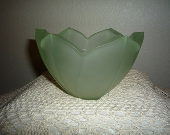 Lenox Frosted Green Tulip Vase