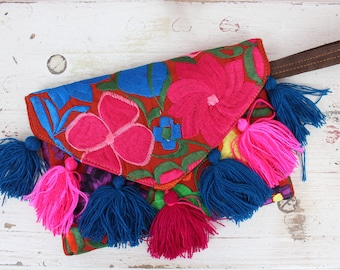 Embroidered Clutch-Bag-Purse-Vintage Huipil-Handmade-Gift Ideas-Mexican Pouch-Cartera-Magnet Clousure-Boho-Gifts for Her-Tassel-Fiesta Bday