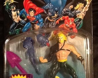 Batman Total Justice Aquaman figure w/ Blasting Hydro Spear Action Figure NEW