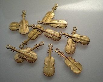 12 small brass violin charms