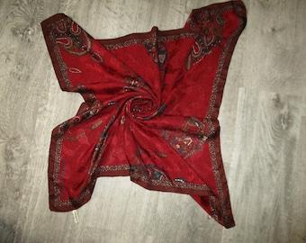 Nice scarf Emanuel Ungaro silk paperback, hemmed by hand, label scarf 89 X 91 cm