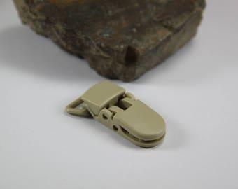 Clip (2 cm) KAM pacifier clip. Beige B42.
