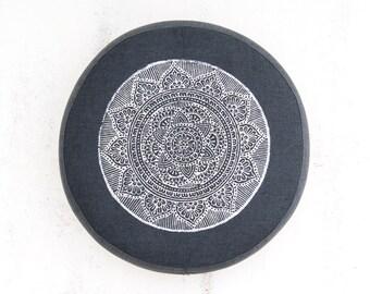 Meditation cushion, organic meditation cushion, yoga zafu, meditation altar, meditation cushion buckwheat, yoga cushion, meditation pillow
