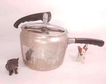 Vintage Wear Ever Pressure Cooker, Model 3634, with 15lb. Cap, 4 Quart Pressure Cooker, Excellent Condition, Flexing Lid, Good Gasket