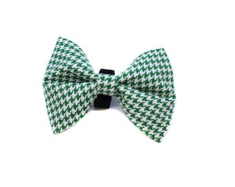 Bow Tie for Dog Collar attaches with hook-and-loop fastener Green Houndstooth