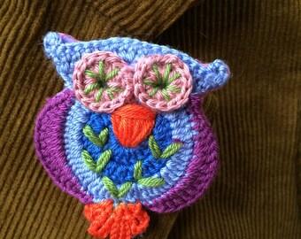 Crocheted Owl Brooch