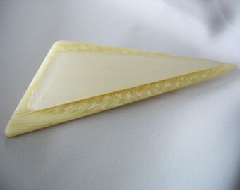"""Vtg Lucite Triangle Brooch, Elongated, Cream, Pearl effect, 1980s, Fashion Pin, Accent, 3"""" Long, Disco Era"""