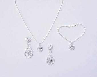 Queen Of Pear Set Of 3 Bridal Jewelry Diamante Pear Drop Set Earrings Pendant Bracelet Necklace