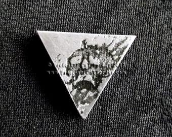 Destiny The Darkness Lapel or tie pin.
