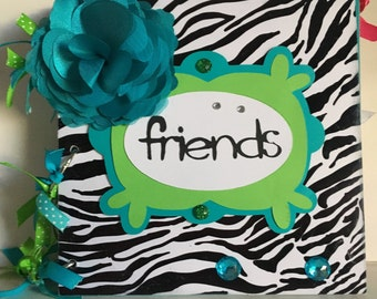 Friends 8 x 8 Chipboard Album