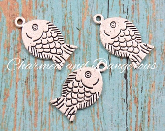 10 pewter Fish charms (CM216)