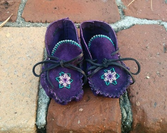 Native American beaded suede Baby moccasin booties