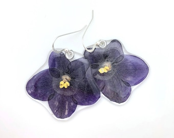Ultra violet, Color of the year, Gardener Gift, African Violet, Nature Lover, pressed flower, Botanical jewelry, pressed violet earrings