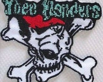 SKULL - Patch embroidered patch Thermo * 6.5 x 6 cm *.