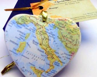 Italy Map Christmas Ornament, College Travel Gift / HONEYMOON Gift / Wedding Map Gift / Travel Tree Ornament /Secret Sister