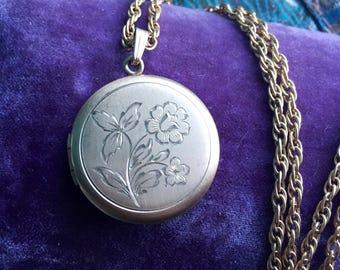 Flower Locket Necklace - Gold Filled Locket - Wedding Locket - Vintage Jewelry