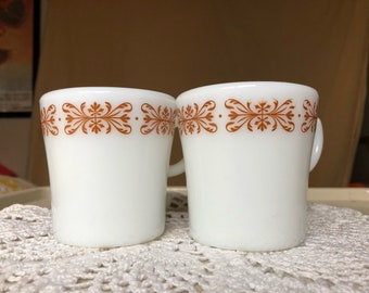 2 Vintage Pyrex Tableware Mugs Copper Filigree
