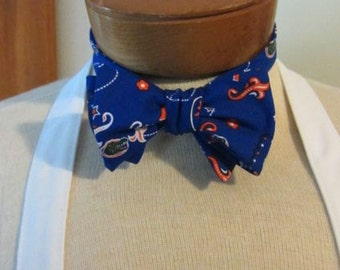 UF Bow Tie Game Day Bow Tie U of FL bow tie Go gators Birthday present Father's Day present Graduation present
