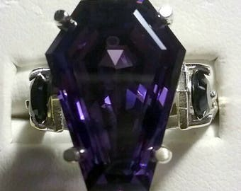 Coffin Gems® - 10CT ACCENT RING