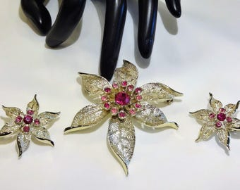 "Pretty Sarah Coventry ""Fashion Flower  Brooch and Earrings"