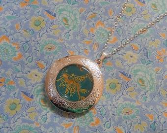 Round Silver Plated Leafy Sea Dragon Pendant Necklace