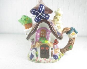 VINTAGE TEAPOT, Windmill Teapot, Ceramic teapot, collectible, whimsical teapot, vintage kitchen decor, farmhouse kitchen, WLC made in spain