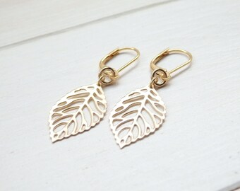 Small Golden Leaf Filigree Earrings