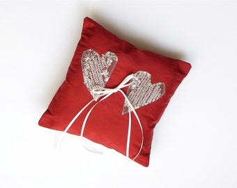 ring cushion 2 hearts