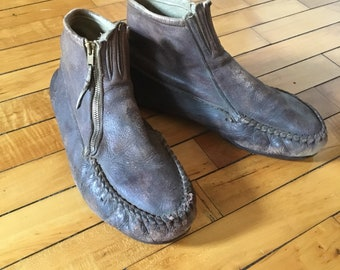 Vintage 50s brown worn leather moccasin ankle boots men's size 9