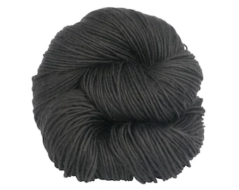 Worsted Superwash Merino - Punto Negra Colorway