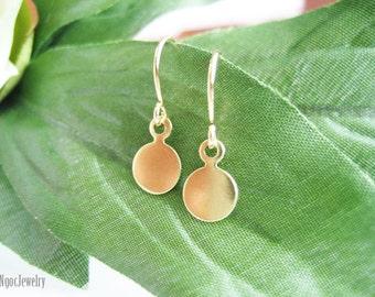 Tiny Brass Disc Earrings, Simple Gold Earrings, Tiny Drop Earrings, Gold Coin Earrings, Gold Disk Earrings, Everyday, Dainty, Minimal, e2