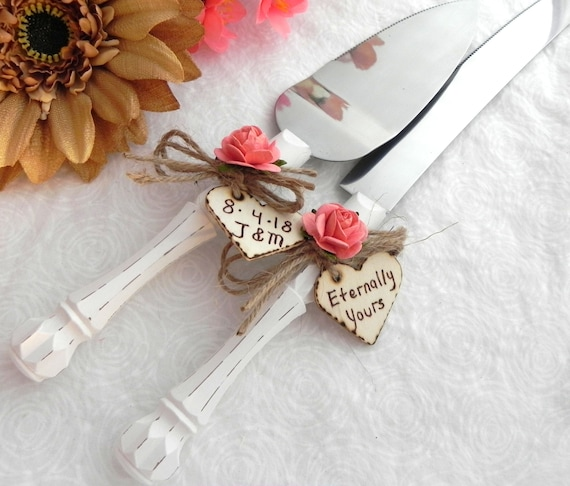 Rustic Chic Wedding Cake Server And Knife Set, Cream and Coral, Personalized Wood Hearts, Bridal Shower Gift, Wedding Gift