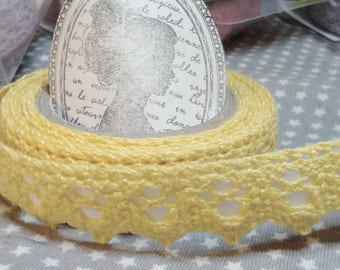 ☆ a roll of 2 meters lace cotton, yellow, 18 mm largeur☆