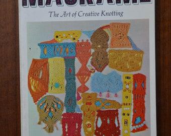 Virginia I. Harvey Macrame The Art of Creative Knotting
