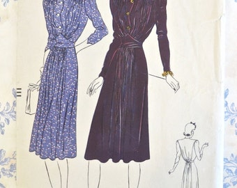 Vintage 1940s Womens Dress Pattern with Midriff and Yoke Detail - Vogue 8518