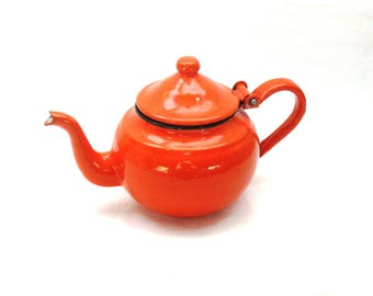 Vintage Enamelware Teapot in Orange, Cheery Country and Granny Chic Kitchen Decor, a Small Teapot for One