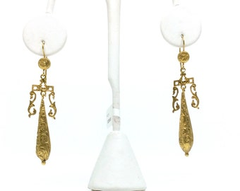 Classic Victorian drop earrings - circa 1840 Gold