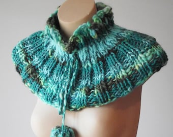 Knitted Collar with Pompoms - Aqua