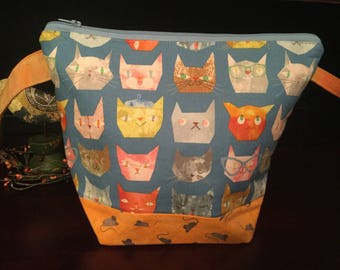 Zipper top knitting project bag, Cat & Mice
