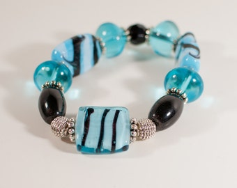 Turquoise, Black & White Glass Bead Stretch Bracelet