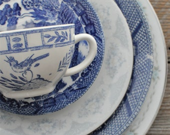 Mismatched china plate setting, Blue Willow, Wedding, Bridal, Tea Party, Luncheon, cottage chic, afternoon tea -mix and match - Blue wedding