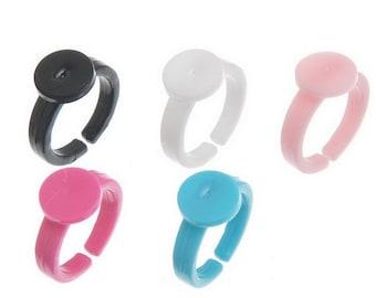 20 multicolored children rings holders