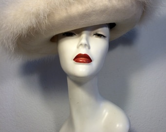 FREE  SHIPPING   1960's Sonni Marabou Hat