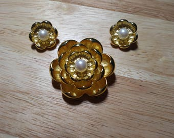 Joan Rivers Flower Pin and Earring Set